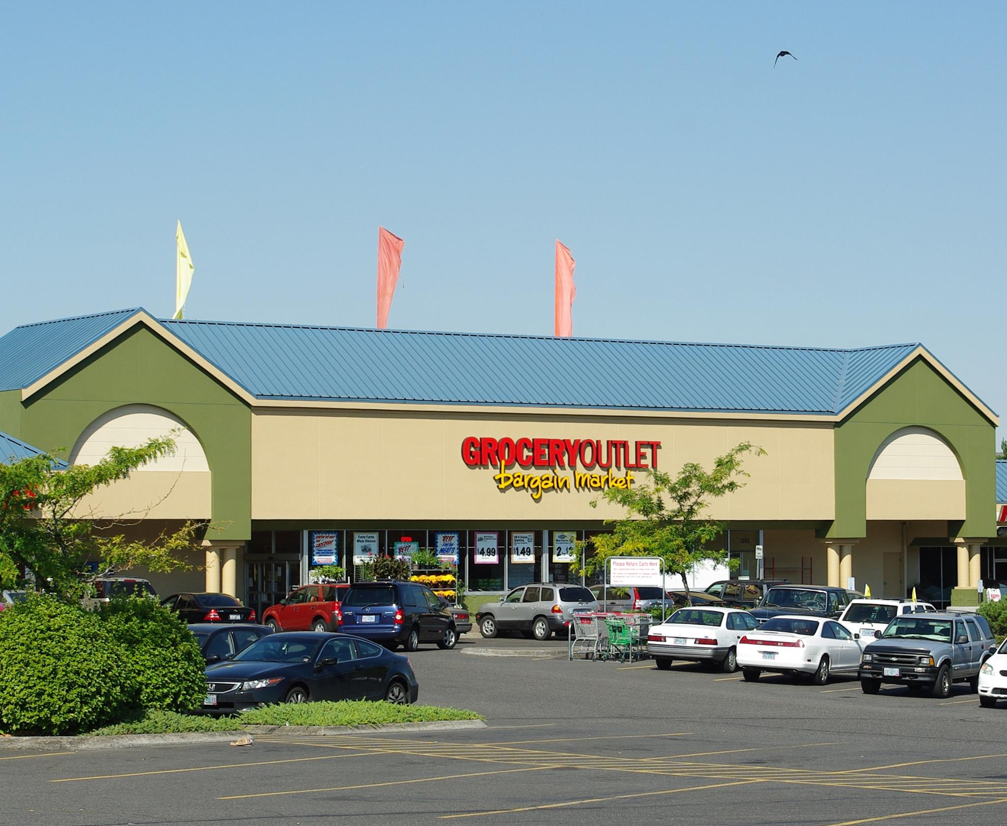 Grocery Outlet files IPO